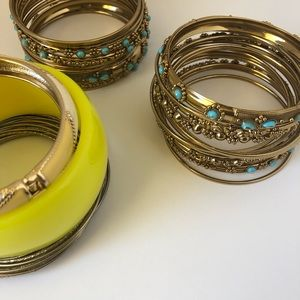 Jewelry - Assorted bangles